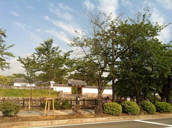 クロスバイクで小田原城に行った時のお堀の画像