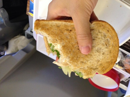JAL羽田発ハワイ行き機内食のkuaaina