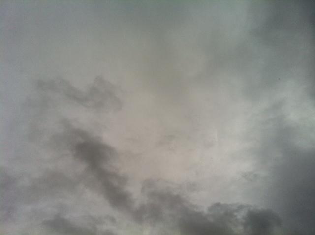 朝からどんより曇り空の写真